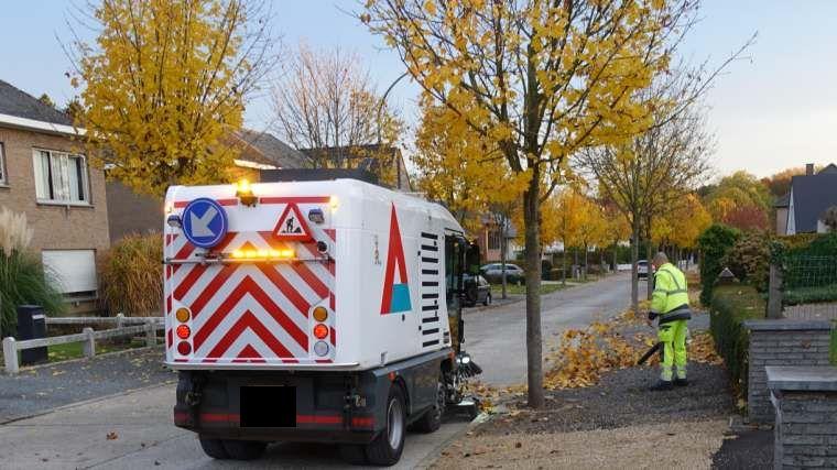 Bladeren opkuis Louis Callebautstraat - 7 november 8:00 uur